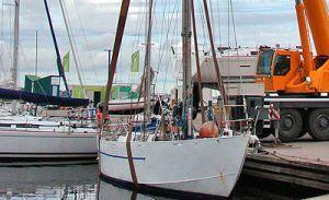 Подъем и спуск яхт на воду